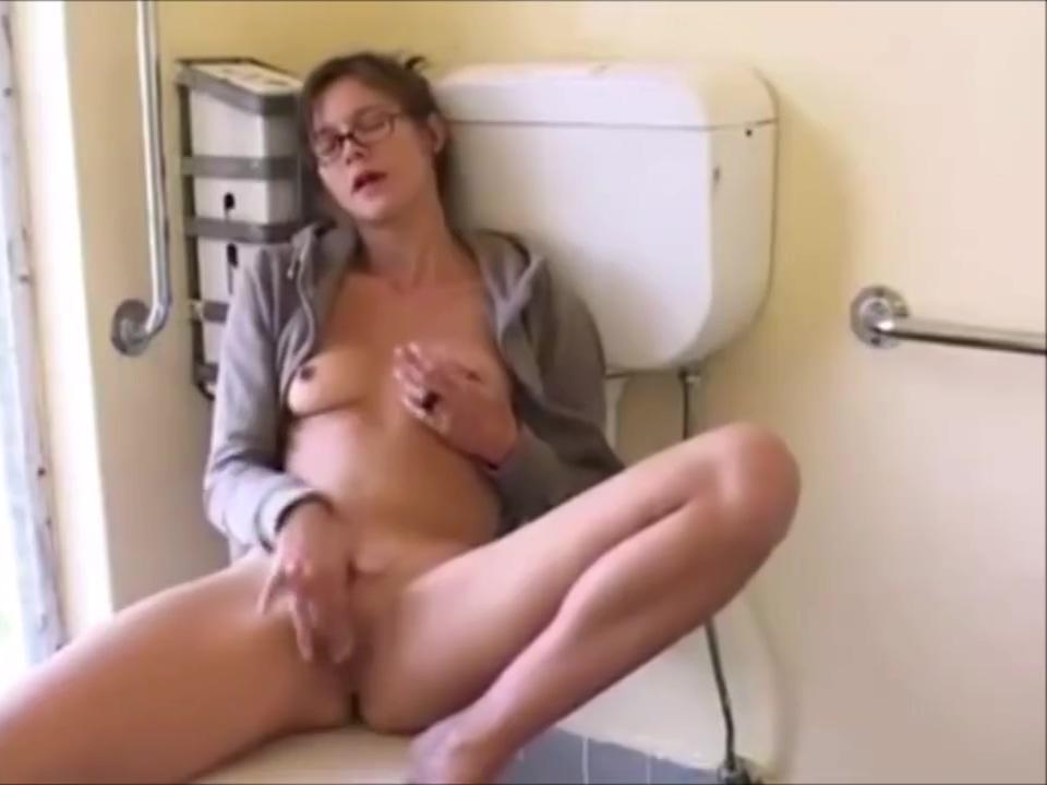 Teen masturbating the bathroom