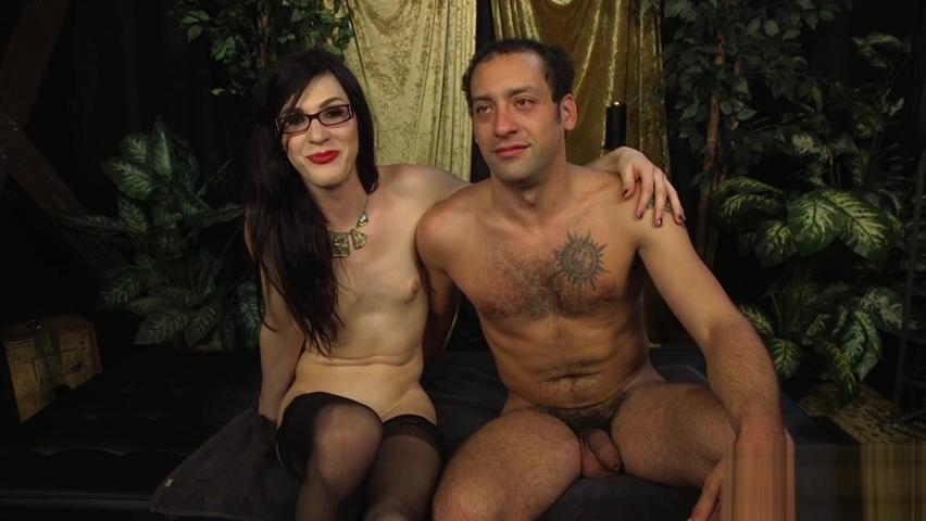 Transgender specs babe getting sucked off