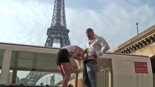 Quickie fuck by the Eiffel Tower