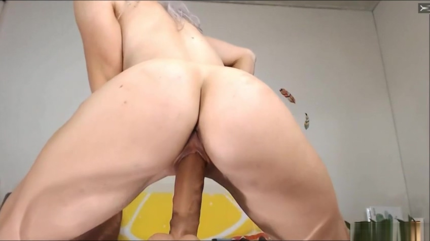 Busty Milf Fucking Her Pussy Until She Squirts