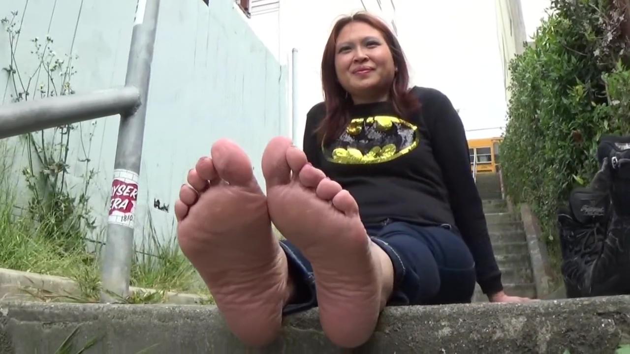 Destiny's Sexy Wide Feet