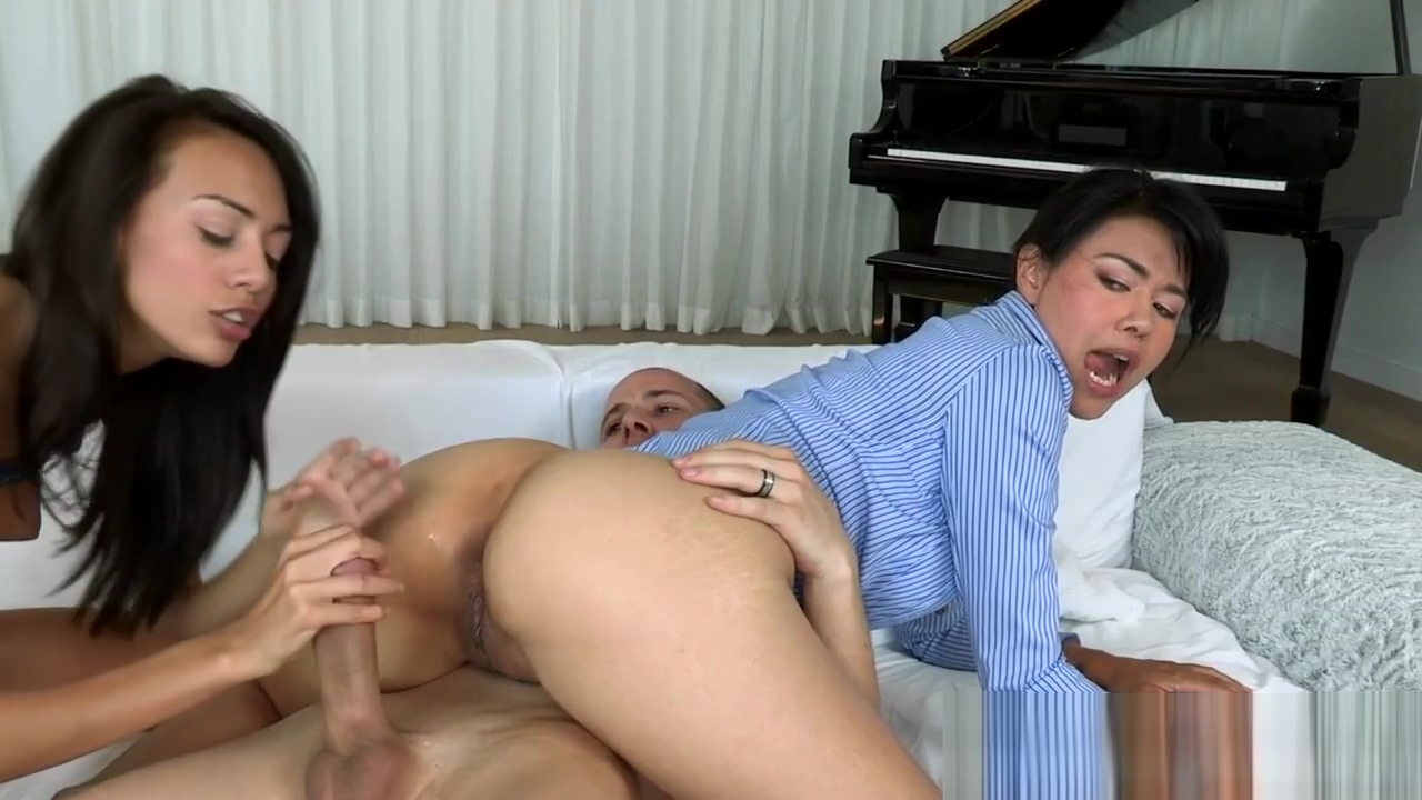 Bigass mature stroking cock in threesome
