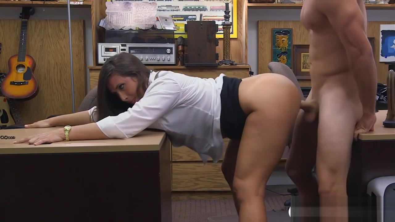 Busty brunette babe sucks cock